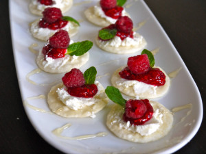 raspberry goat cheese crackers