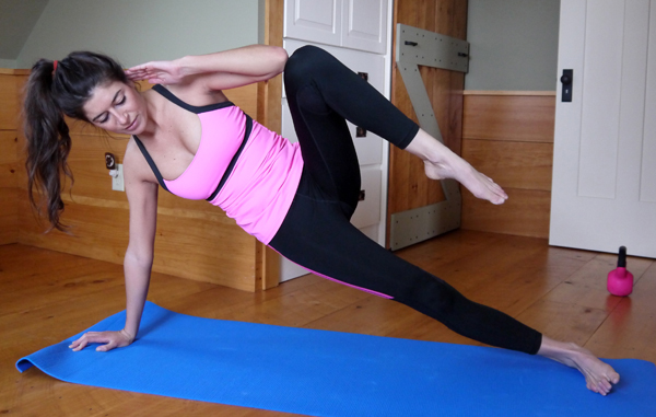side-plank-with-knee-tucks