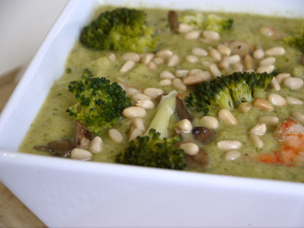 Broccoli Soup with Shrimp and Mushrooms