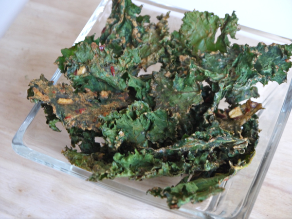 spicy tahini baked kale chips