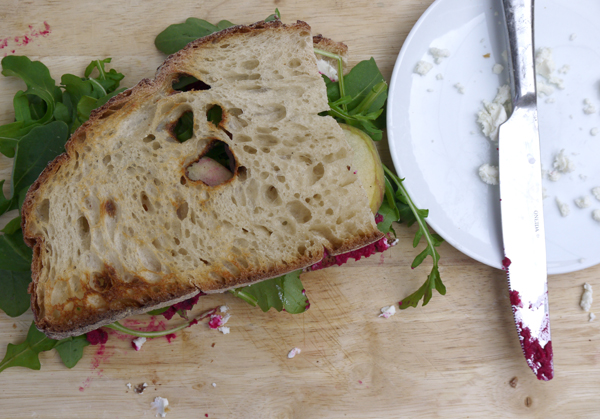 ... .com/2013/10/15/roasted-beet-hummus-and-goat-cheese-sandwich