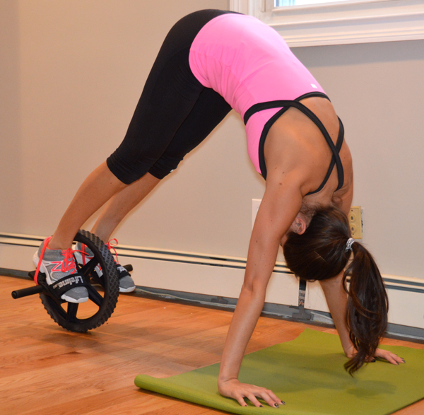 Power Wheel Workout (plank to pike exercise)