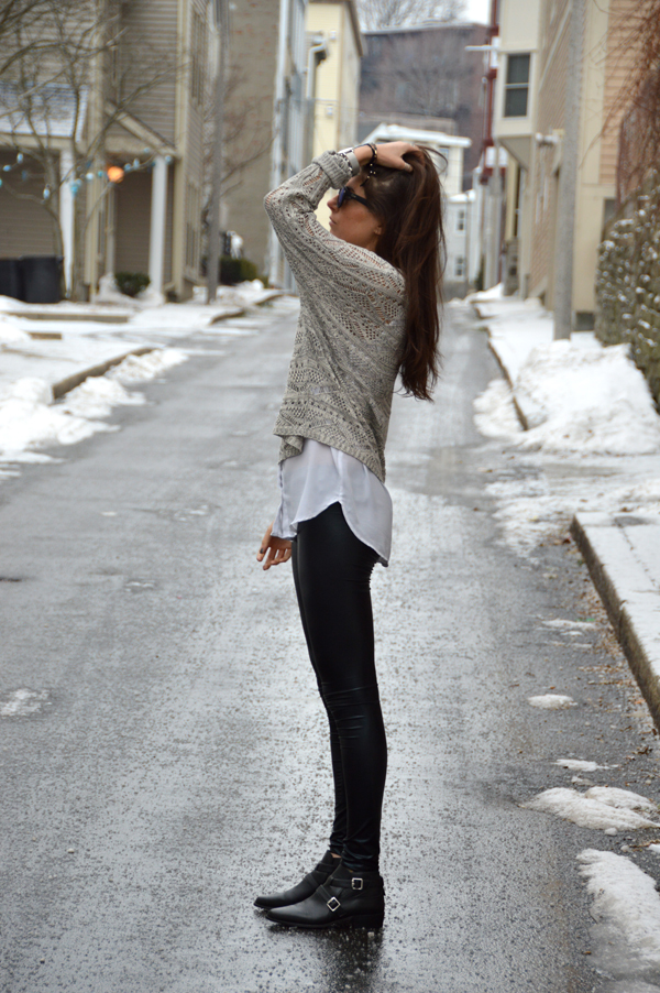 faux leather leggings, sweater and reflective sunglasses