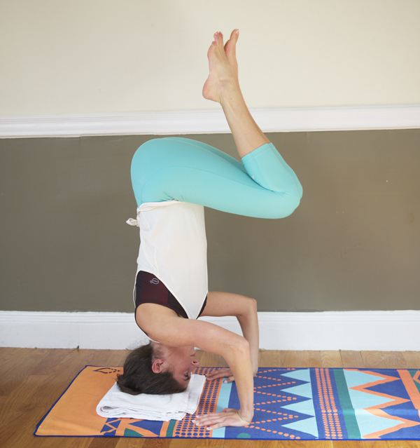 How to Do a Headstand without a Wall -- there are lots of ways to get into a headstand, but I find this one easiest as a beginner!