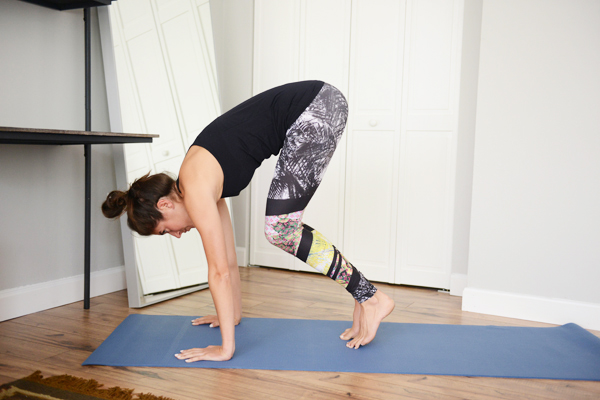 Bodyweight Core Workout - perfect for doing at home on busy days!