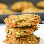 These chickpea veggie fritters have a hint of ginger and are perfect to add to your next Buddha bowl or salad! Vegetarian and vegan options. | Pumps & Iron @nicoleperr